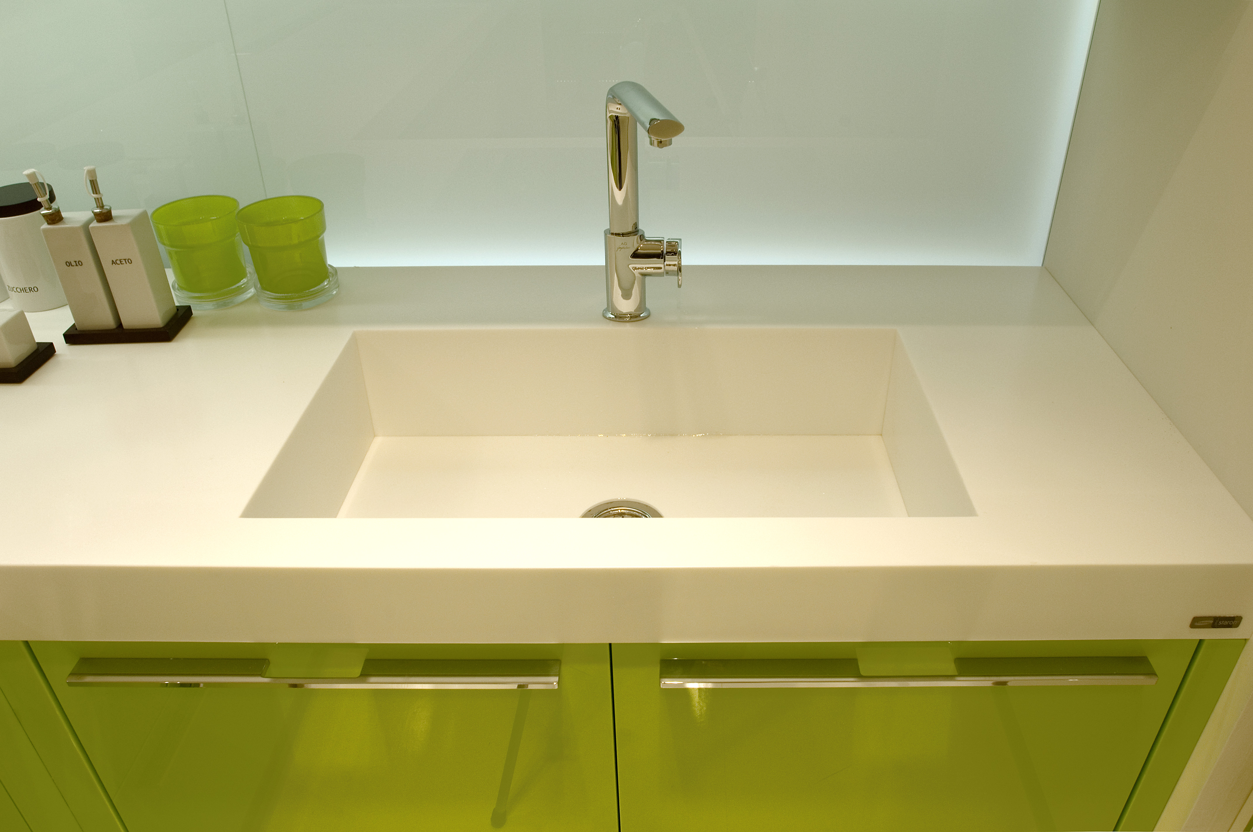 Staron Integrated Sink 5 Surfacing Solutions